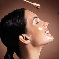The Benefits of Honey for Home Beauty Treatments